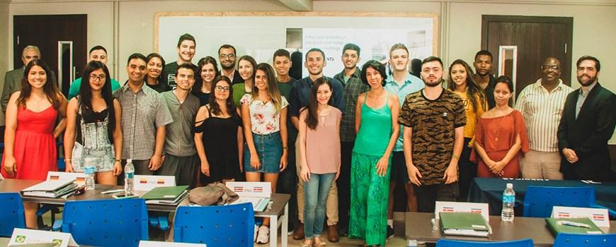 Estratégia & Marketing para Países Emergentes + Português Básico para Negócios